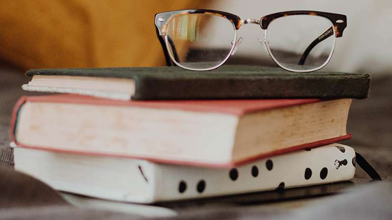 how to get rid of negative thoughts by reading your favorite book