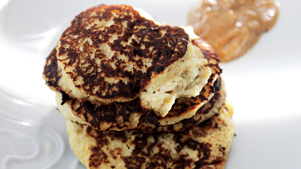 high protein low calorie breakfast healthy pancakes with peanut butter